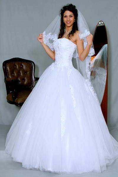 булчинска рокля Жоржета